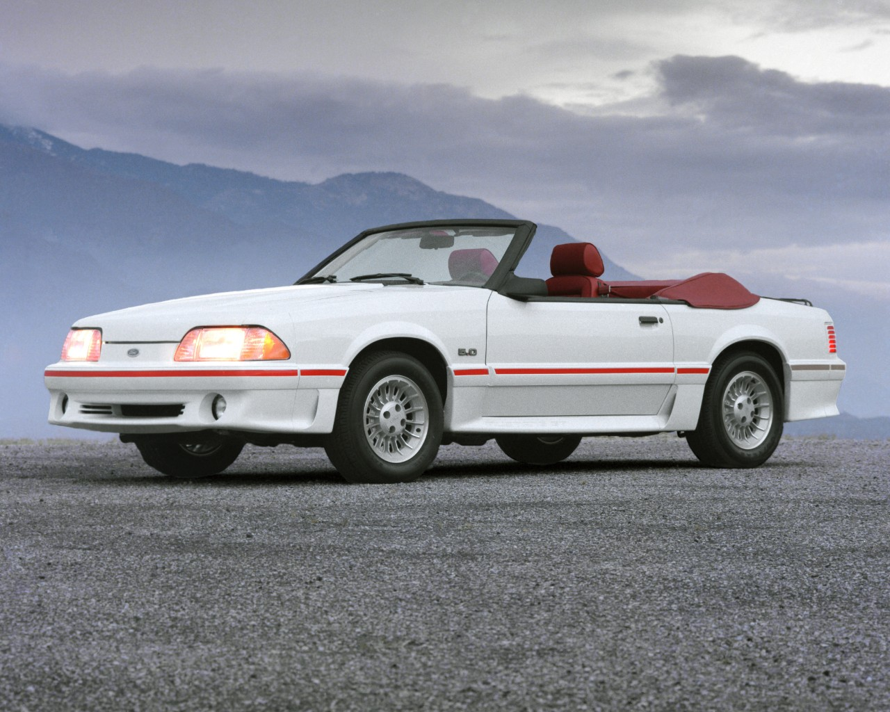 1987 Ford Mustang GT convertible 2
