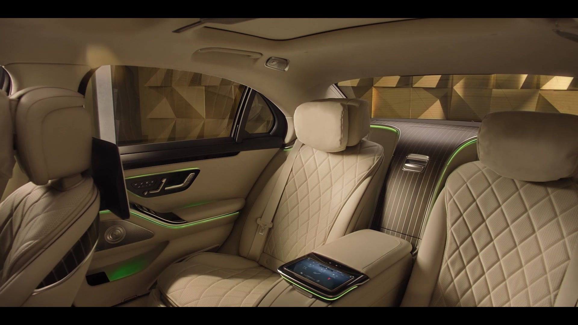 2020 09 02 Screenshot Digital World Premiere of the new S Class 21 36 1