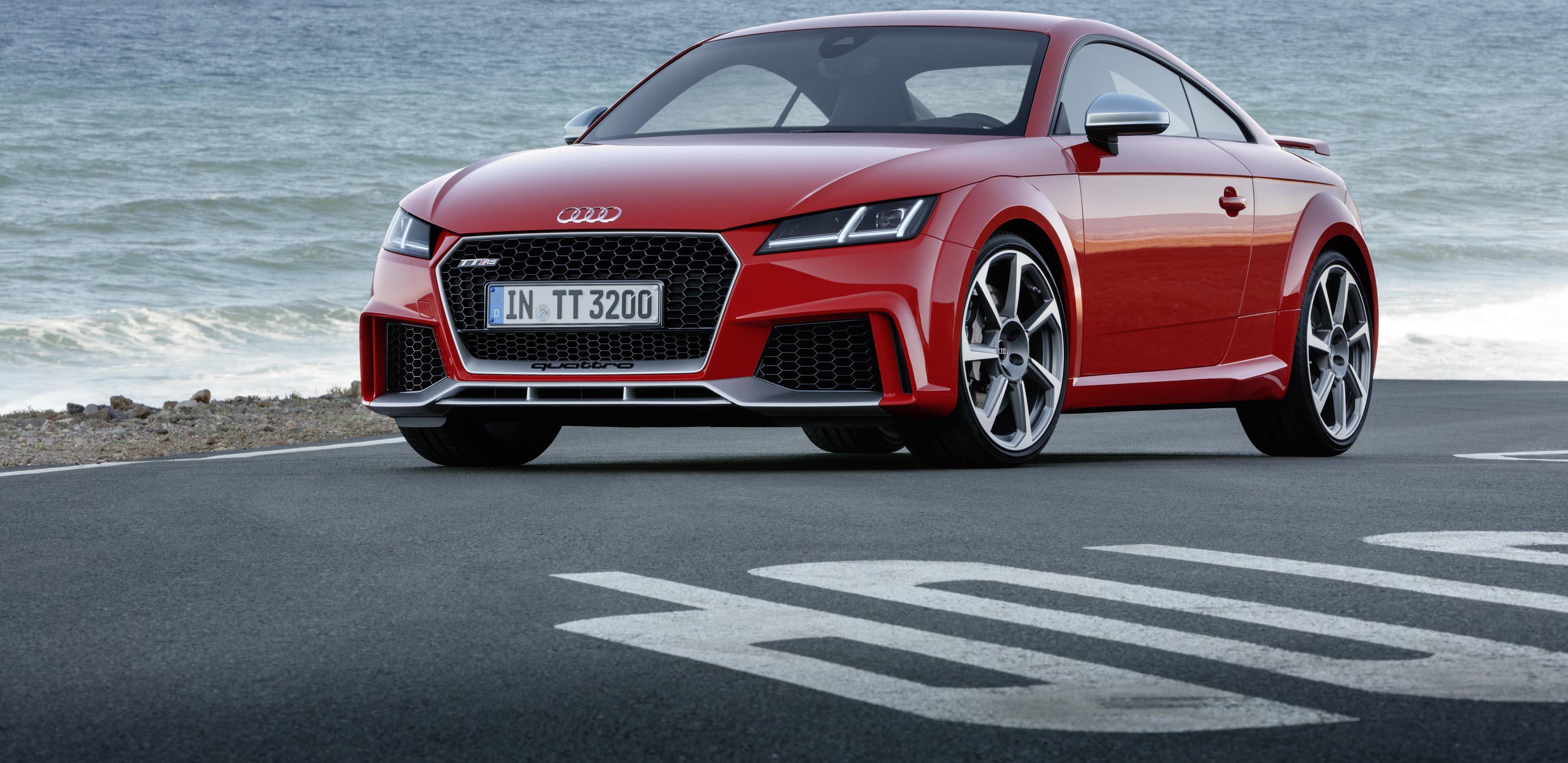 Más fuerte que nunca: Nuevo Audi TT RS Coupé y Audi TT RS Roadster