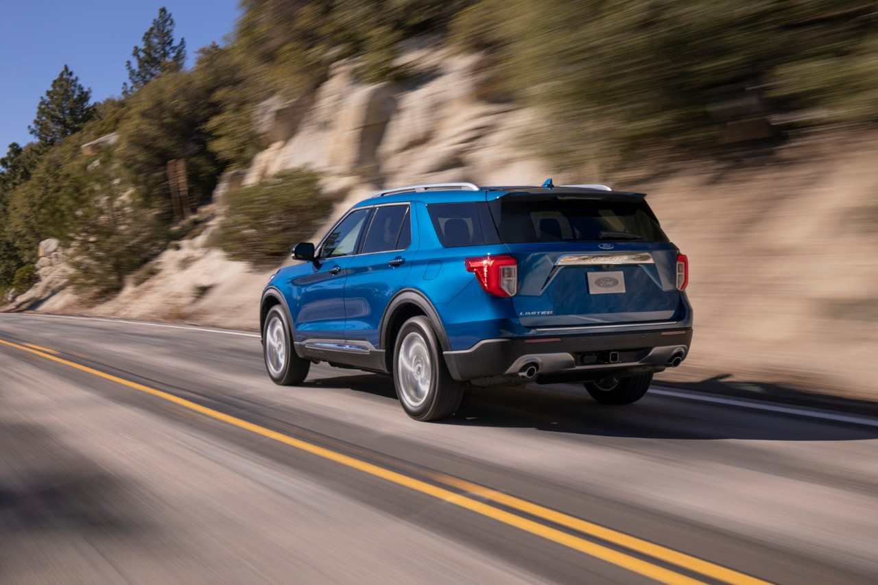 Ford Explorer Limited 2020 trasera