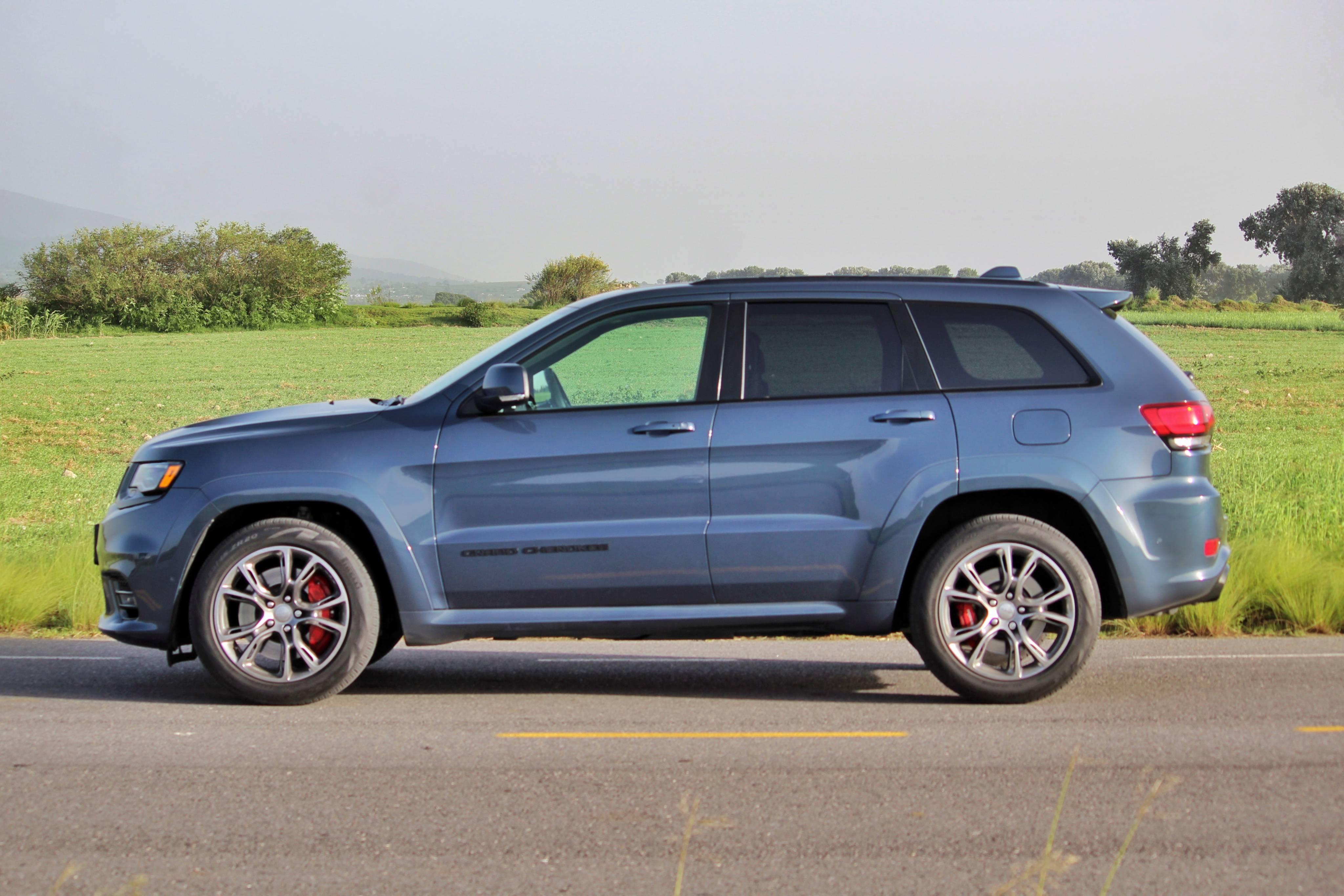 JEEP GRAND CHEROKEE SRT BLUE EDITION