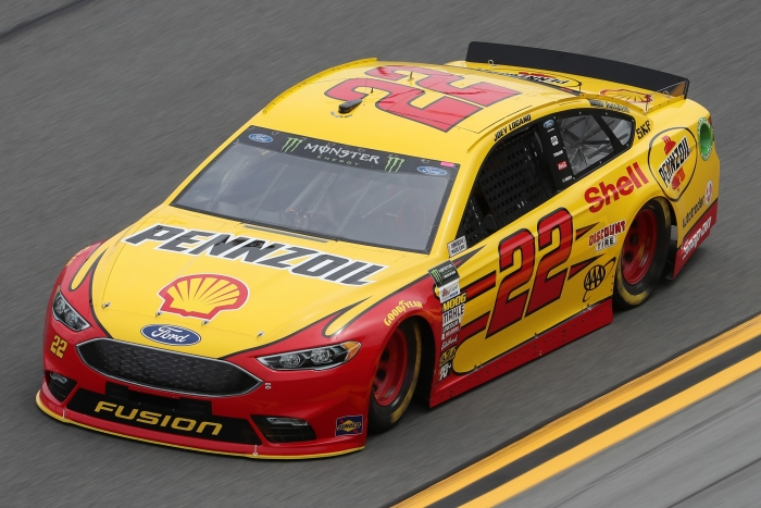 "Logano gana ""The Clash"" por primera vez"